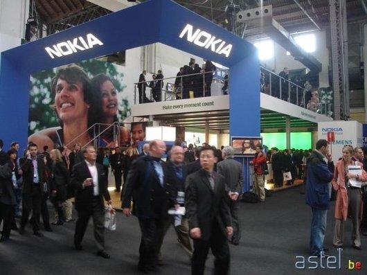 Une vue générale du stand Nokia - 48.4ko