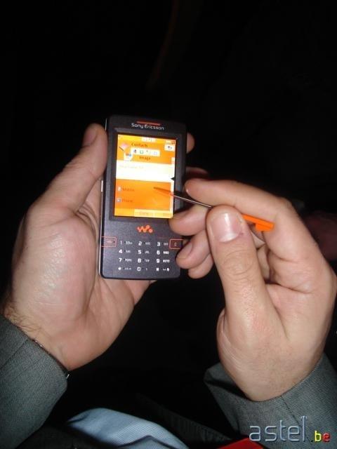 Le W950i entre nos mains lors de la Sony Ericsson Party - 27.8ko