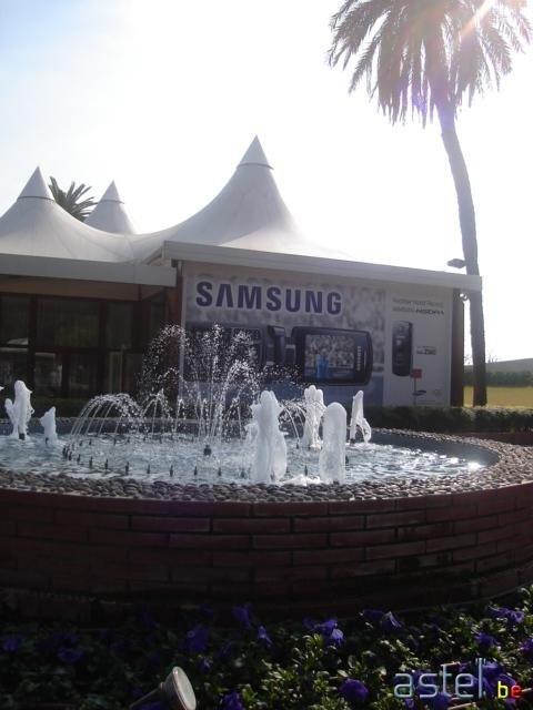Samsung tenait vraiment à faire savoir au monde entier qu'il est le premier sur l'HSDPA... - 40.2ko
