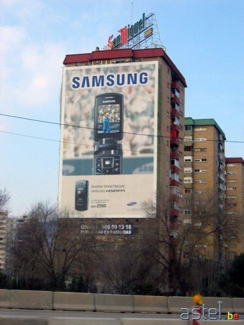 Samsung nous rappelle vite qu'il existe un peu plus loin sur la route - 46.5ko